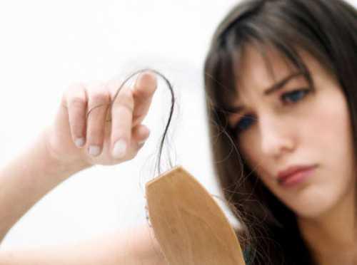 Выпадение волос: причины и лечение