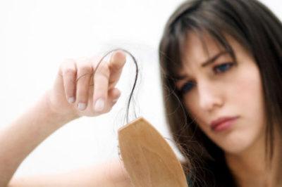 Волосы очень сильно выпадают: что делать в домашних условиях?