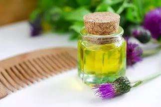 Эфирные масла от выпадения волос: какое помогает?