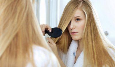 Стали сильно выпадать волосы у женщины причины